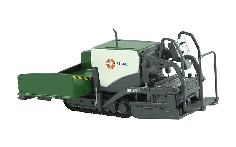 672-02 - NZG Model Ooms Super 800 Road Paver