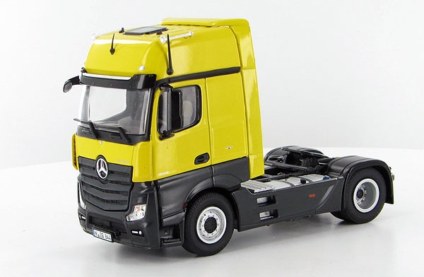 844-07 - NZG Model Mercedes Benz Actros FH25 GigaSpace 4x2 Cab