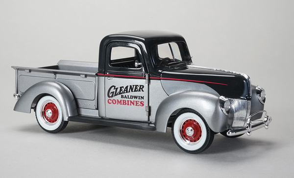 64131 - Spec-cast Gleaner 1940 Ford Pickup Truck