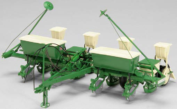 SCT-703 - Spec-cast Oliver 540 Four Row Planter