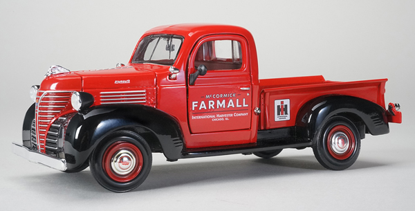 ZJD-1813 - Spec-cast IH Farmall 1941 Plymouth Pickup Truck