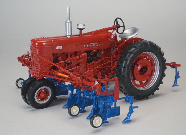 ZJD-1818 - Spec-cast Farmall 400 Tractor