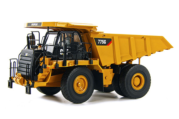 30002 - Tonkin Replicas Caterpillar 775G Off Highway Truck