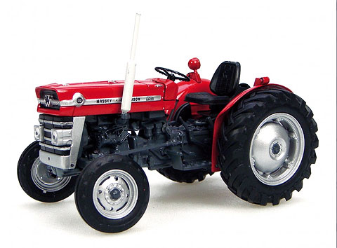 2785 - Universal Hobbies Massey Ferguson 135 Tractor without Cabin
