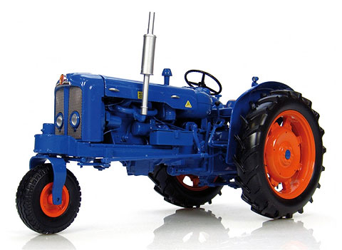 2887 - Universal Hobbies Fordson Super Major Tricycle Row Crop Tractor