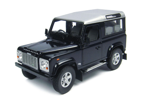 3888 - Universal Hobbies Land Rover Defender TD5 90 Wagon