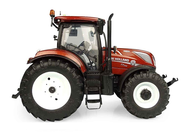 Universal hobbies 1:32 New Holland Blue Power T7.225 2016 Tractor Model UH4976