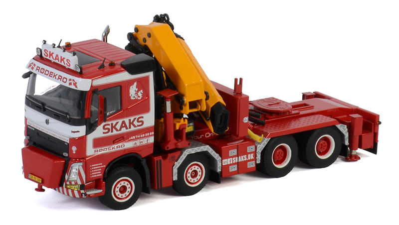 01-2940 - WSI Model Skaks Specialtransport Volvo FH4 8x4 Sleeper