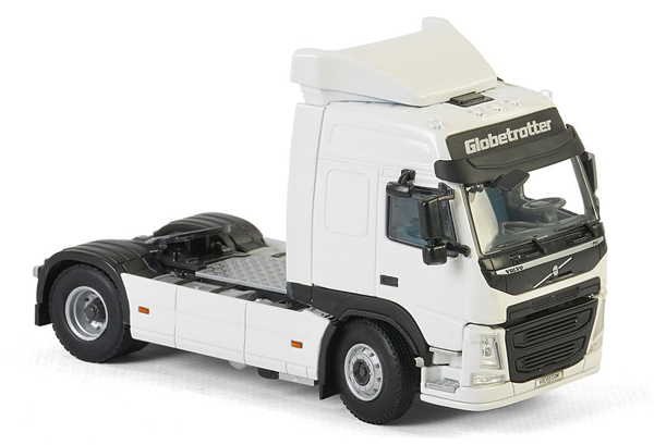 03-2014 - WSI Model Volvo FM4 Globetrotter Tractor Cab Only
